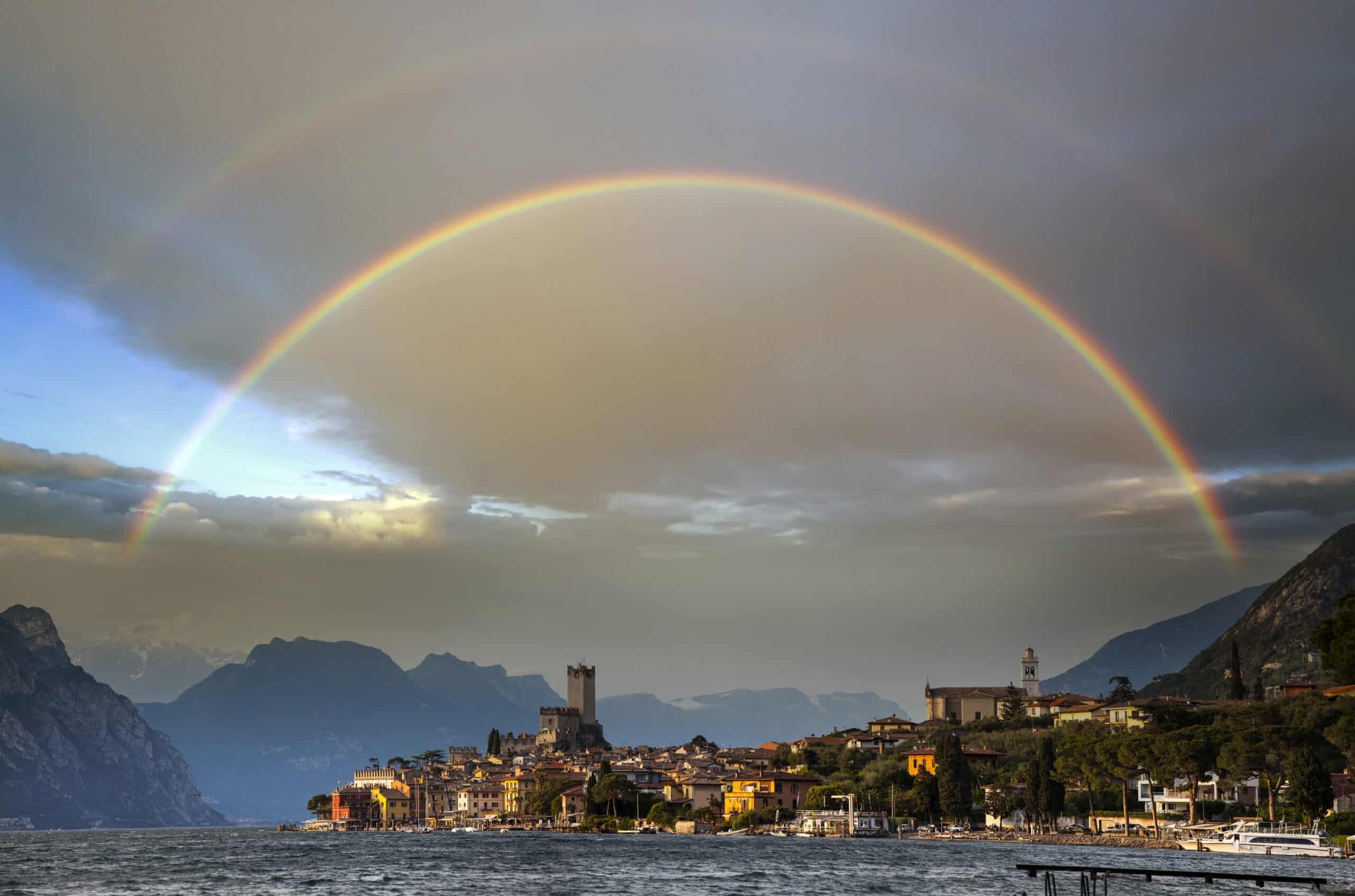 arcoiris forma de arco